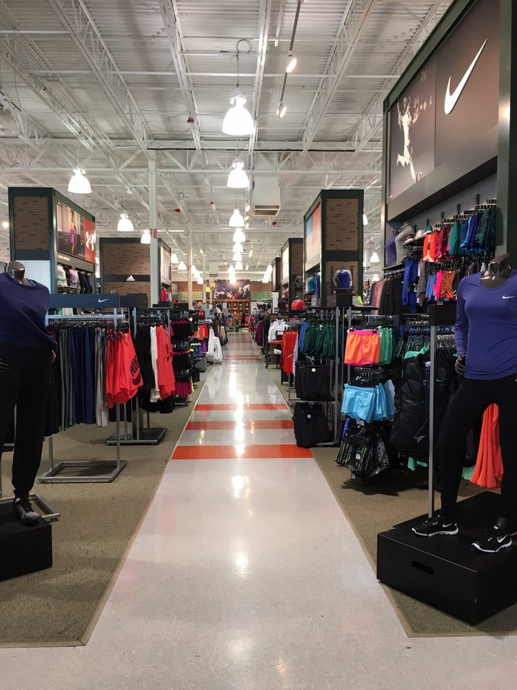 DICK'S Sporting Goods: 11900 Mills Dr, Miami, FL