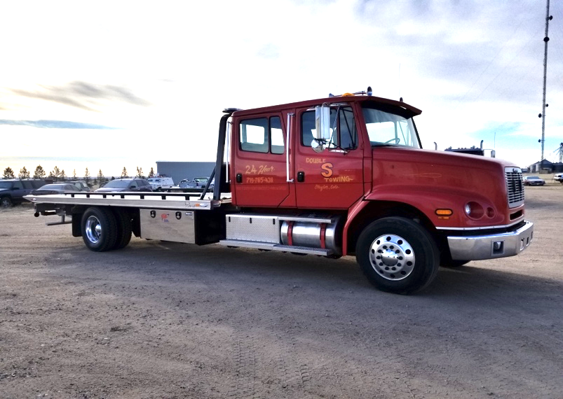 Double S Towing: Flagler, CO