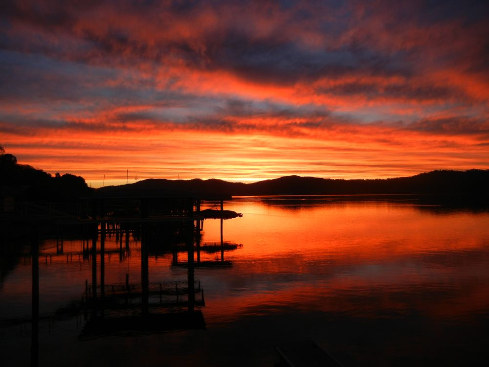 Blue Fish Cove Resort: 10573 E Hwy 20, Clearlake Oaks, CA