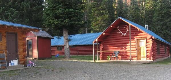 Big bear lodge hotels 714 us 212 cooke city mt for Giant city lodge cabins