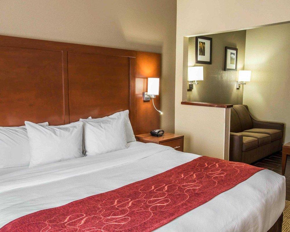 comfort suites 33 photos 14 reviews hotels 1415 oakridge