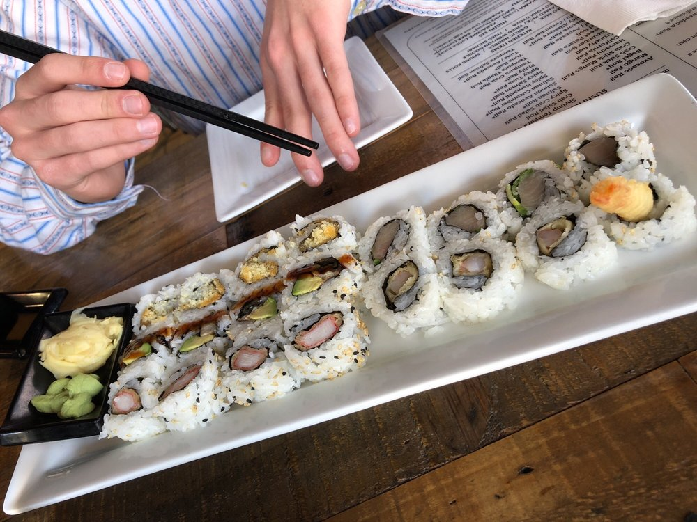 Pisces Sushi Bar & Lounge - Lake Norman: 591-A River Hwy, Mooresville, NC