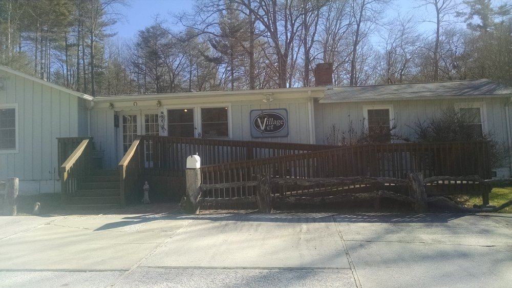 Cashiers Village Veterinary Clinic: 855 US Highway 64 W, Cashiers, NC
