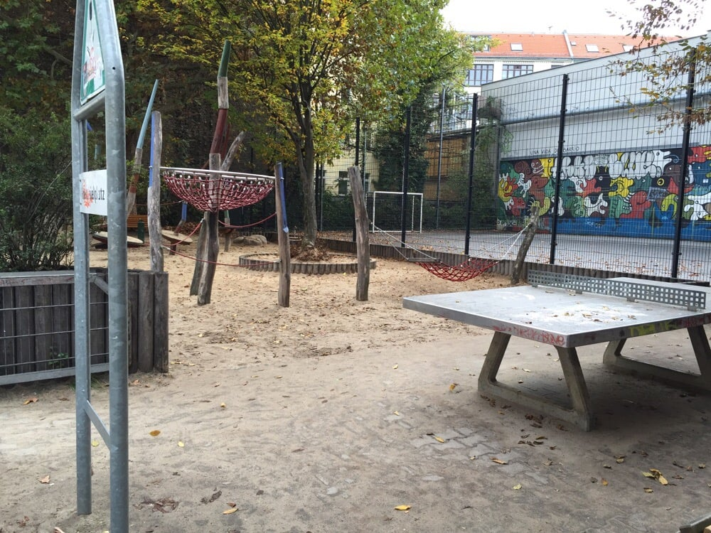 spielplatz spielplatz mittenwalder str 54 55 kreuzberg berlin yelp. Black Bedroom Furniture Sets. Home Design Ideas