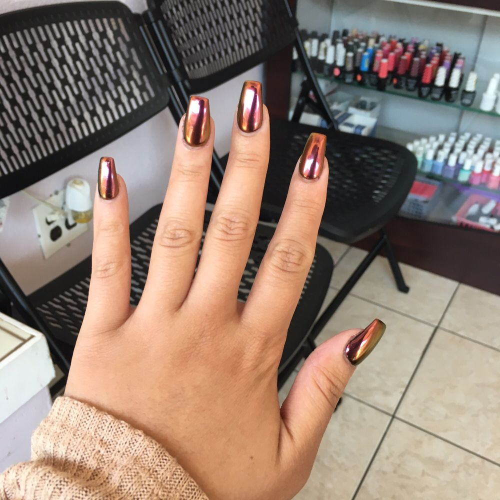 Decide to get A3 chrome nail color under a black gel color and it\'s ...