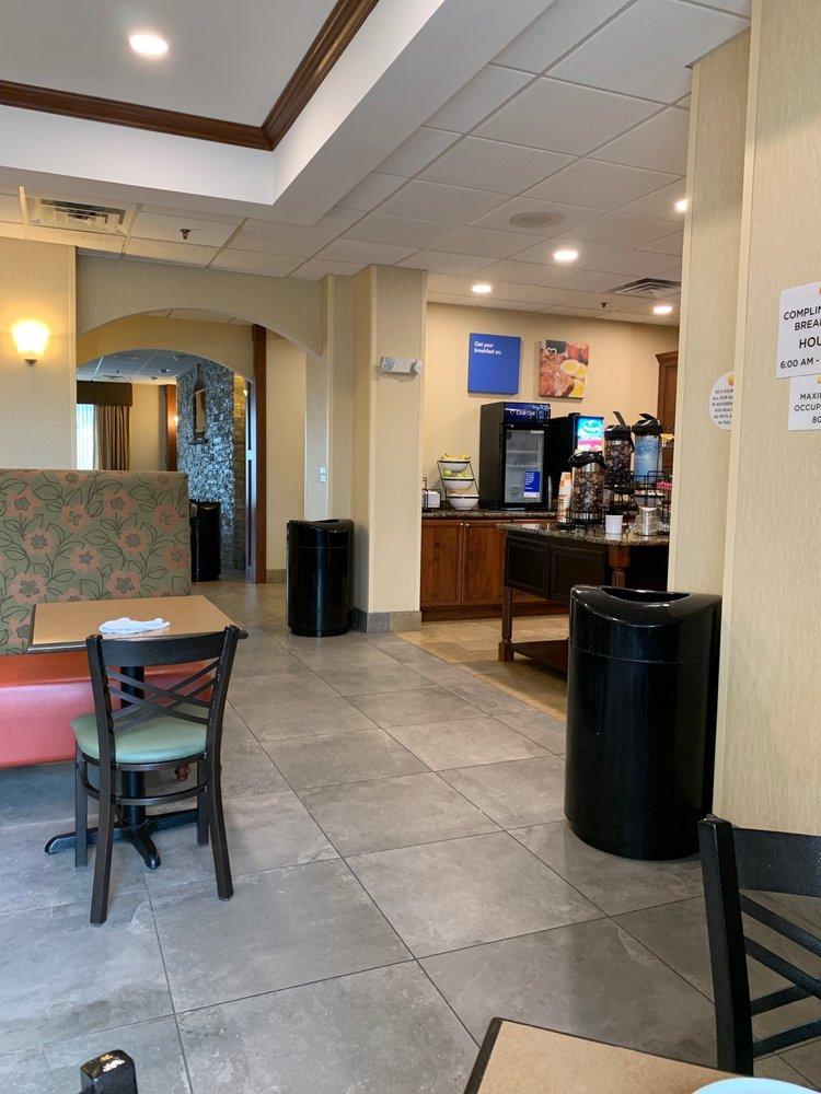 Comfort Inn & Suites Watertown - 1000 Islands - Watertown