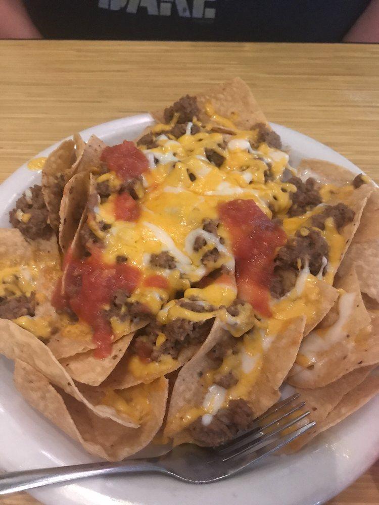 Del Rio Mexican Restaurant: 900 W Hwy 82, Nocona, TX