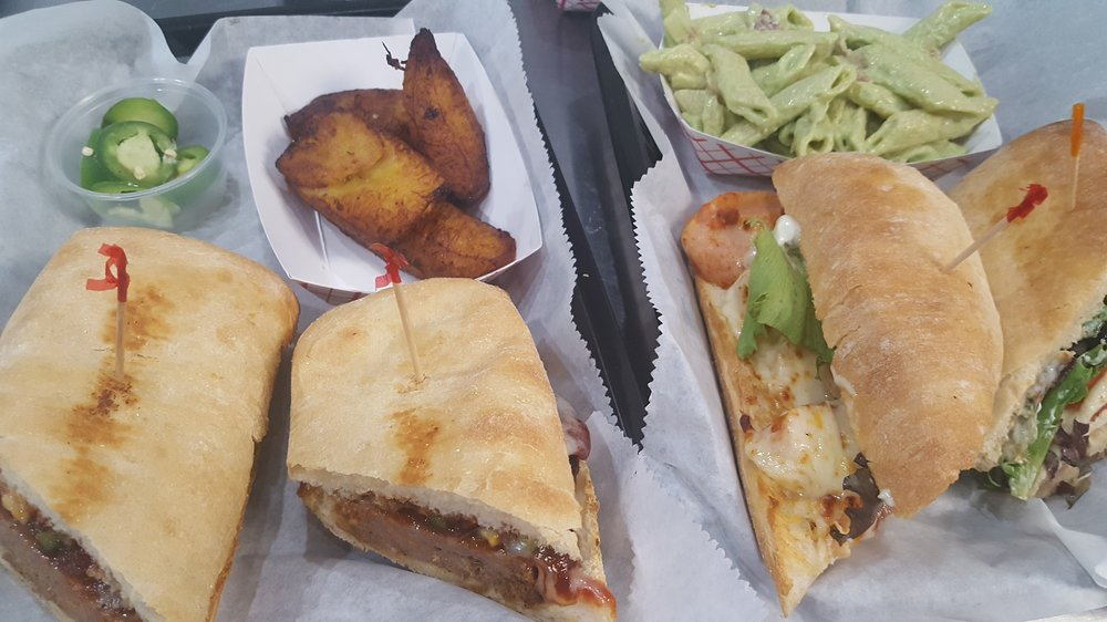 Food from Si Señor Peruvian Sandwiches and More
