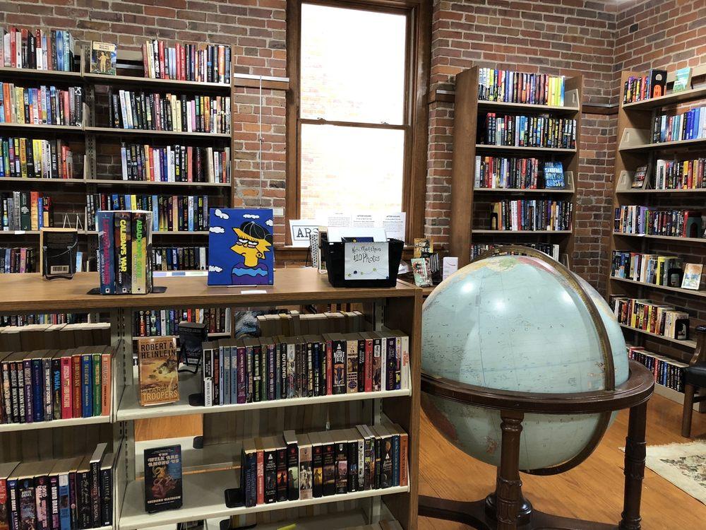 River Market Books & Gifts: 120 River Market Ave, Little Rock, AR