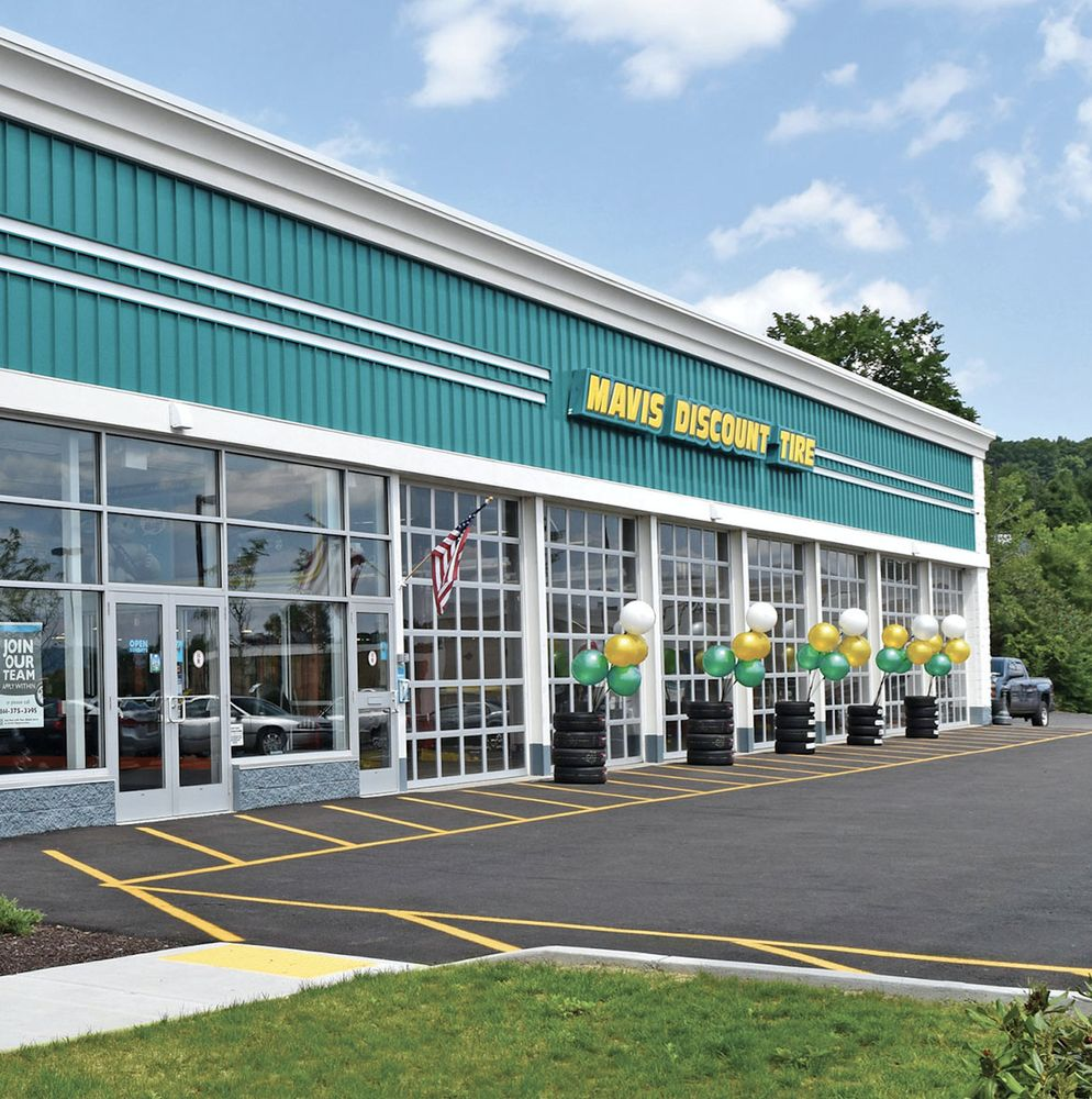 Mavis Discount Tire: 2250 Hempstead Turnpike, East Meadow, NY