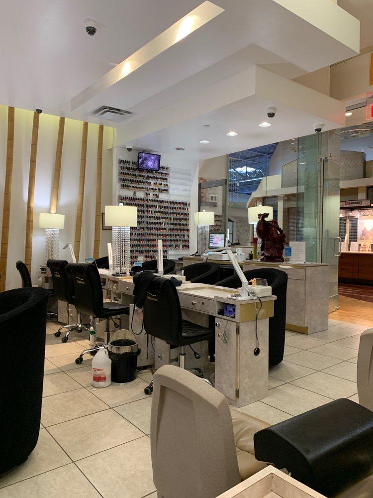 Elegant Nails & Spa: 552 Pittsburgh Mills Cir, Tarentum, PA