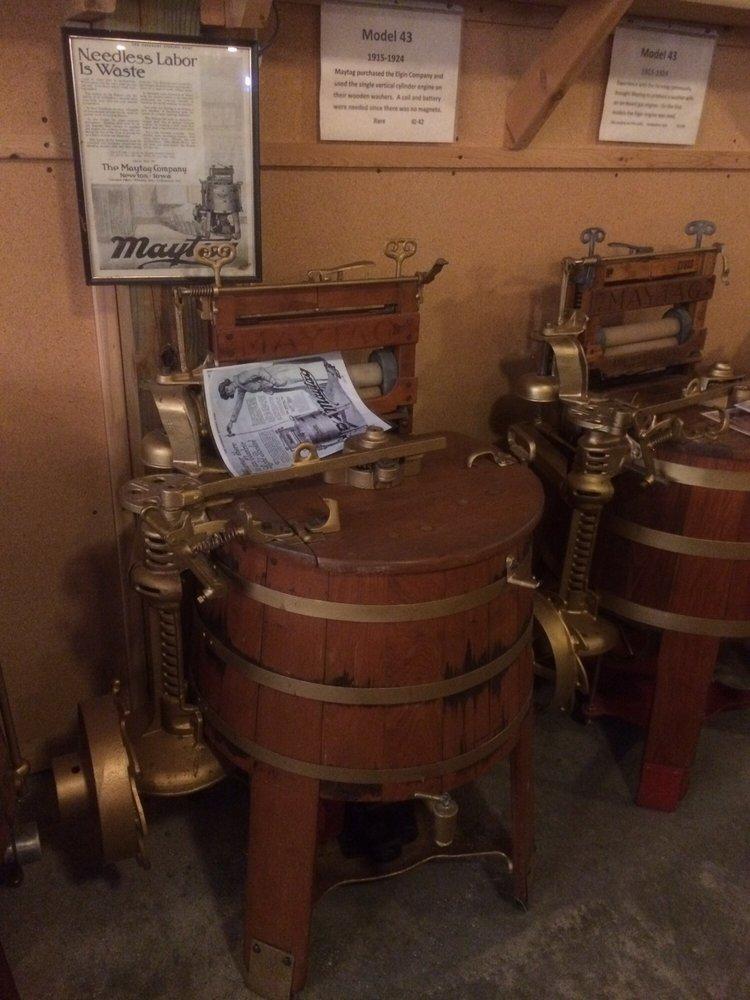 Lee Maxwell's Washing Machine Museum: 35901 Wcr 31, Eaton, CO