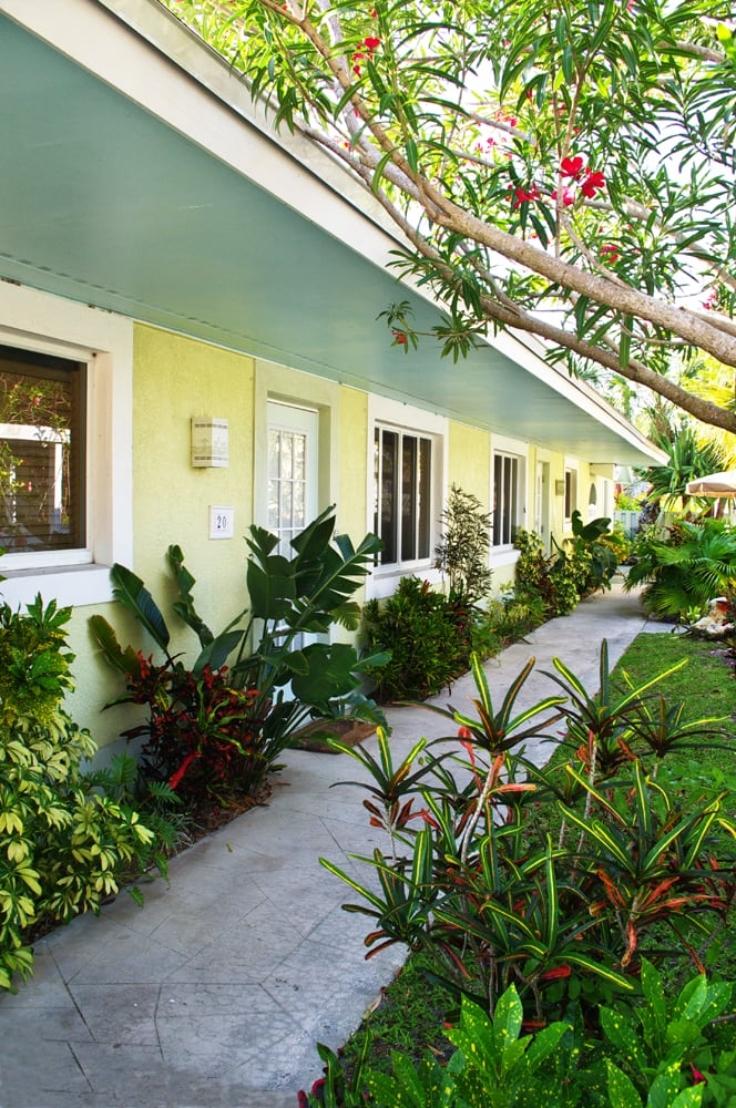 Palm tree villas last updated june 2017 11 photos for Palm tree villas 1
