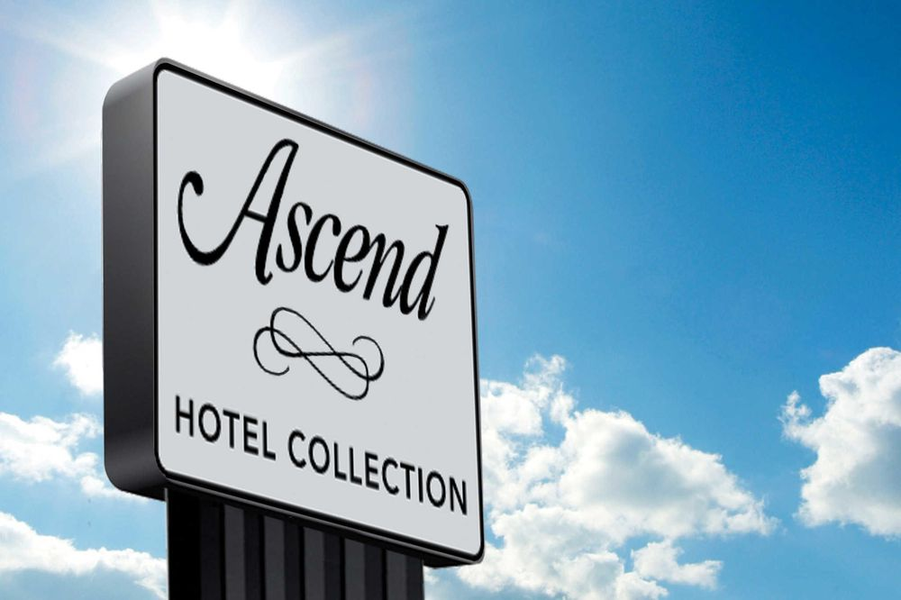 Windmill Suites Surprise, an Ascend Hotel Collection Member