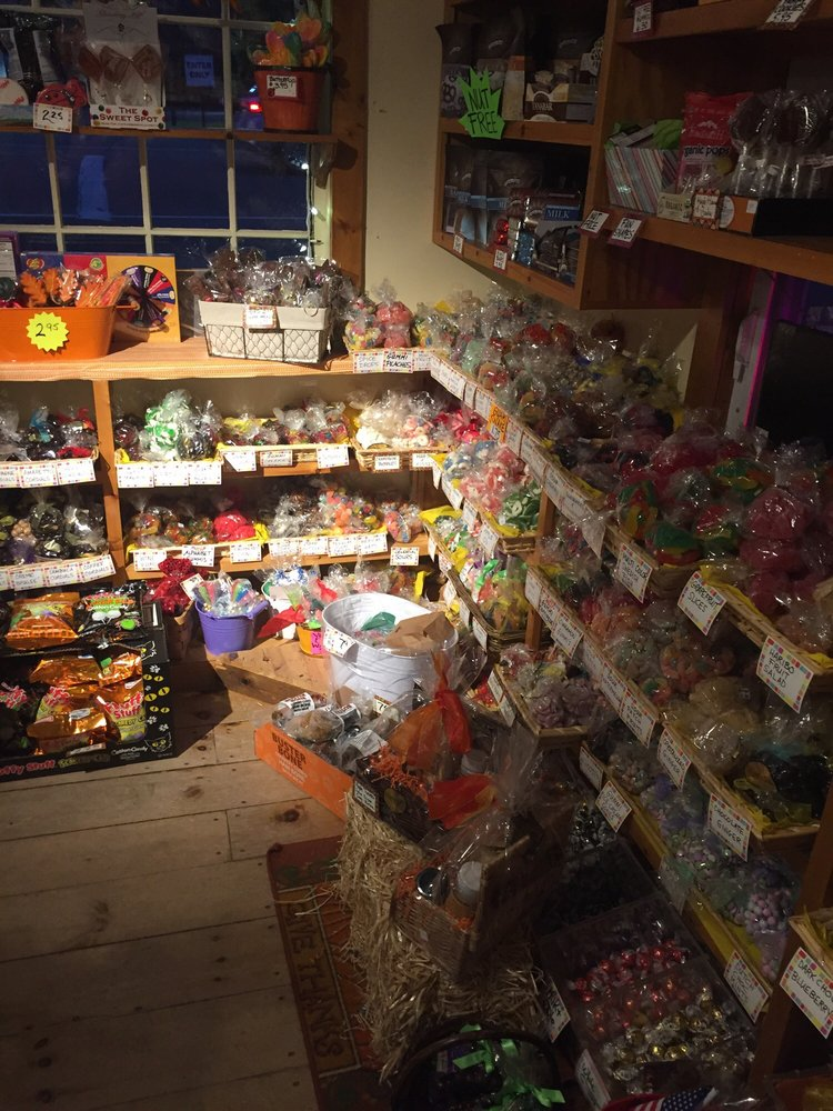 Litchfield Candy Company: 245 West St, Litchfield, CT