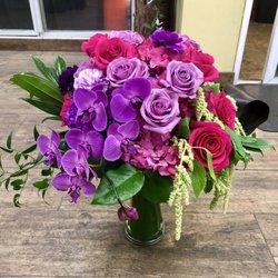 Photo of Arrowhead Flowers - Glendale, AZ, United States. Cascading Elegance