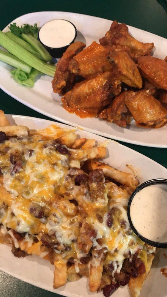 Putters Sports Grill: 6575 Cincinnati Dayton Rd, Liberty Township, OH