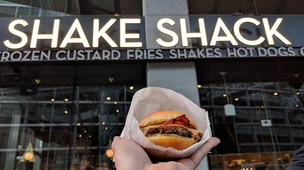 Shake Shack Tokyo International Forum