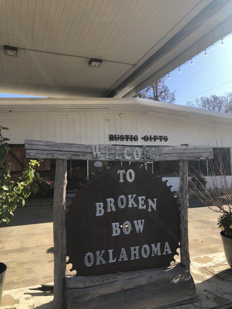 Broknbo Vintage Market: 1302 N Park Dr, Broken Bow, OK