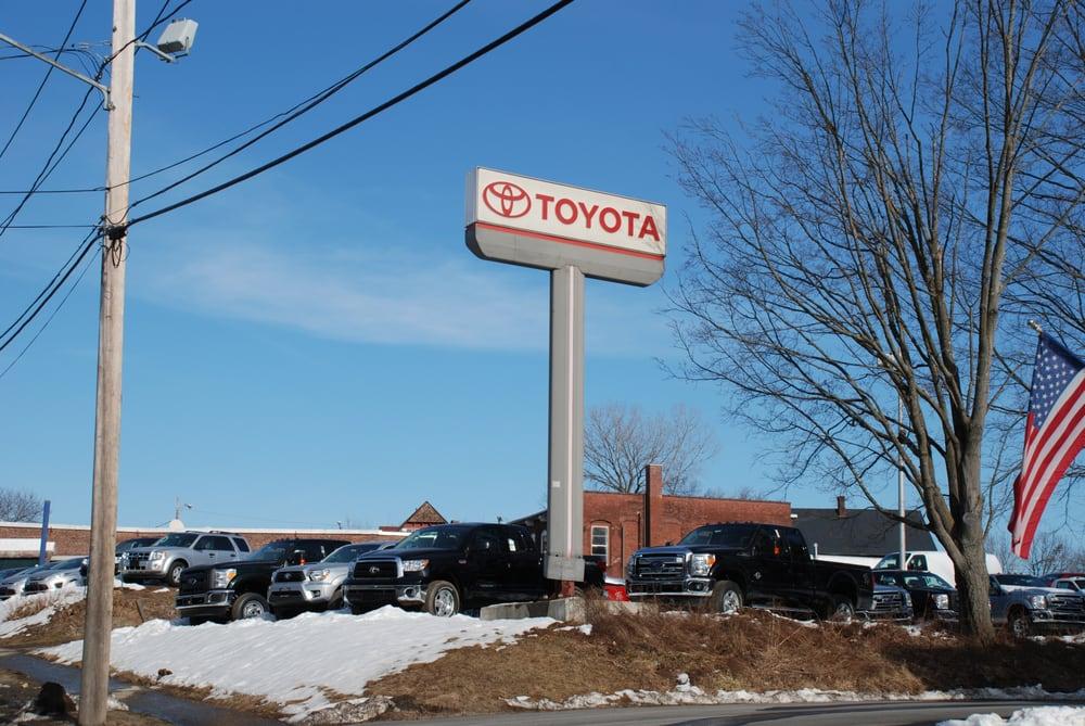 Toyota Of Greenfield >> Toyota Of Greenfield 11 Reviews Auto Repair 1 Main St