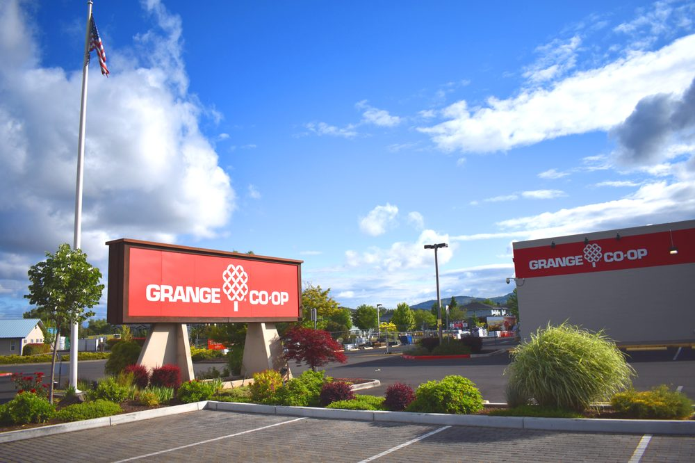 Grange Co-op: 2531 S Pacific Hwy, Medford, OR