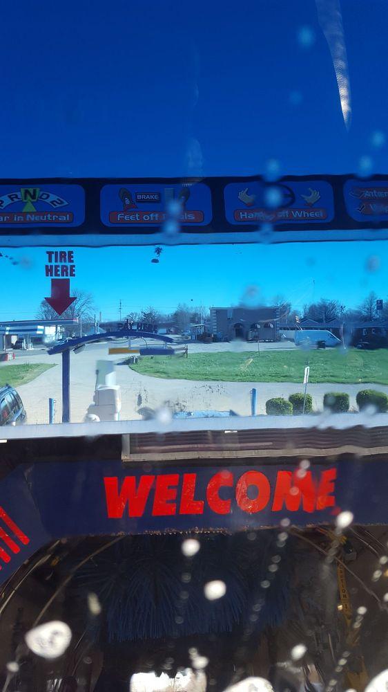 Mighty Max Car Wash: 1103 W Jefferson Ave, Effingham, IL