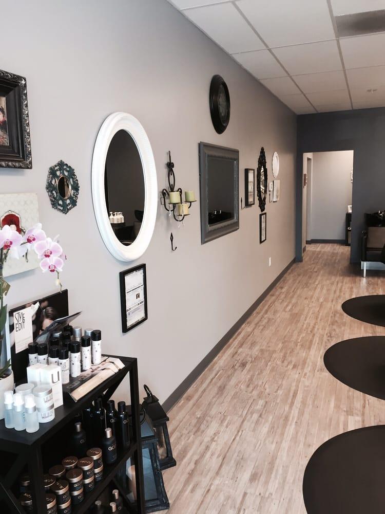 Mirror a Salon: 2 S 56th Pl, Ridgefield, WA