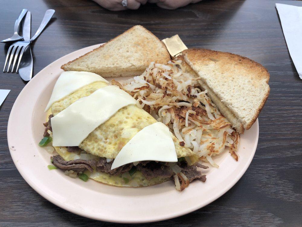 The Cracked Egg: 1310 Eastside Ctr, Mountain Home, AR