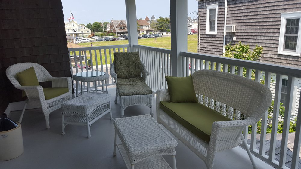 Victoria Guest House: 126 Amber St, Beach Haven, NJ