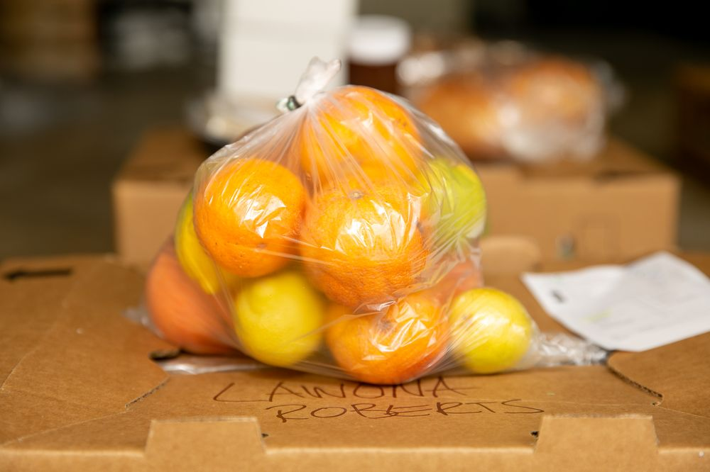 The Ladera Farmers Market: 5354 W 64th St, Ladera Heights, CA