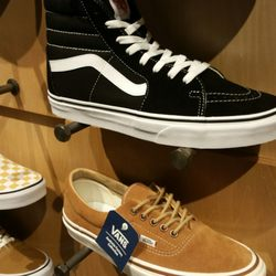 a341a1aed0 Vans - 14 Photos   29 Reviews - Shoe Stores - 400 S Baldwin Ave ...