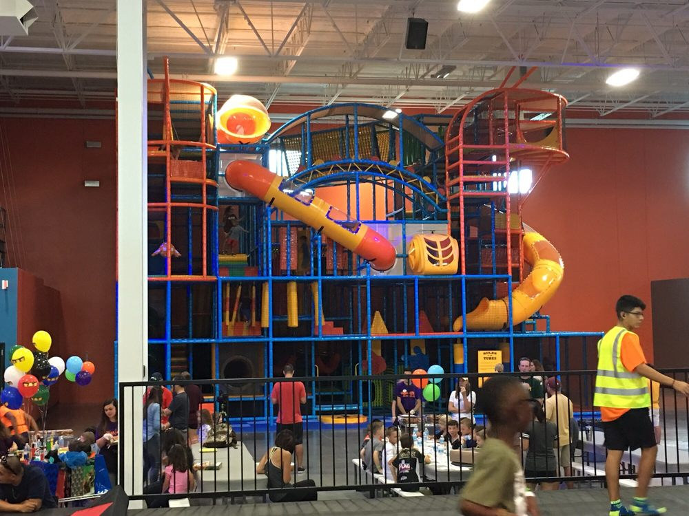 Giant indoor play structure - Yelp