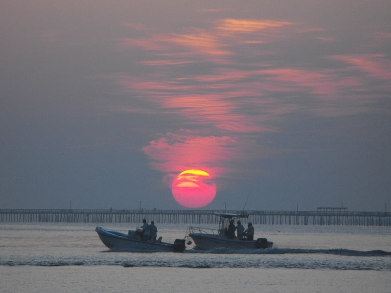 Sunrise over lynnhaven fishing pier yelp for Lynnhaven inlet fishing report
