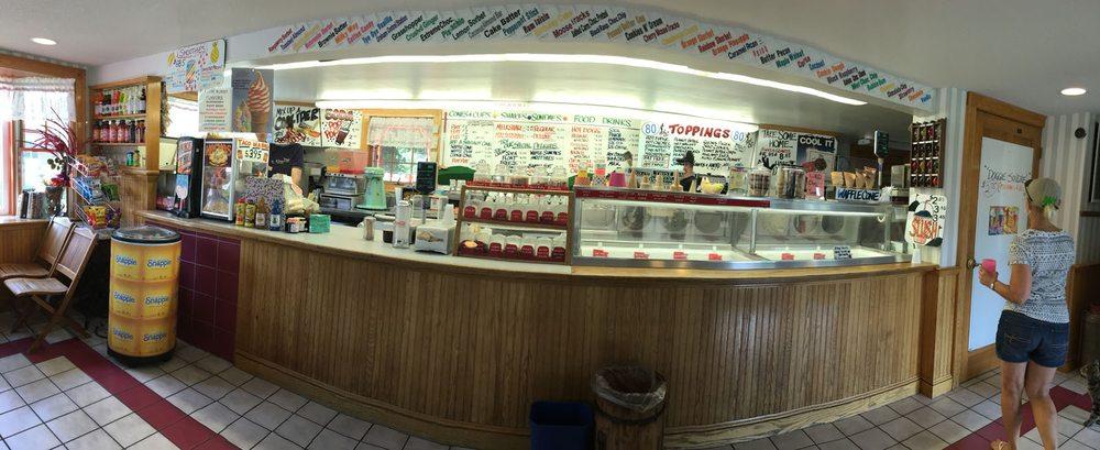 Farmington Miniature Golf & Ice Cream Parlor: 1048 Farmington Ave, Farmington, CT