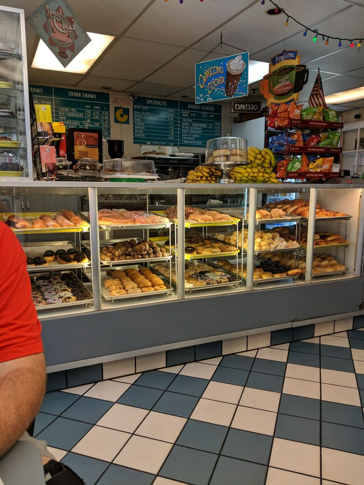 Spudnuts Donuts: 3810 W Channel Islands Blvd, Oxnard, CA