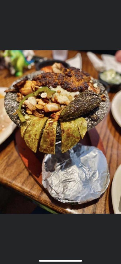 El Indio Mexican Grill & Bar: 1115 N Charles G Seivers Blvd, Clinton, TN