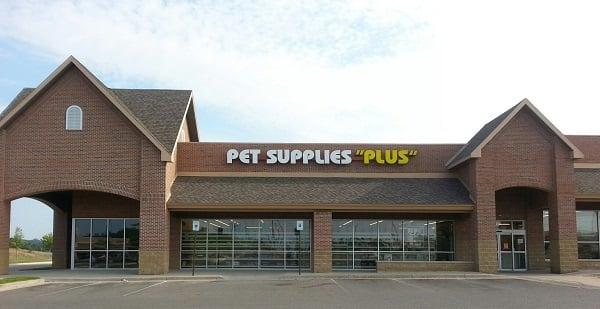 Pet Supplies Plus: 2160 Anderson Rd, Petoskey, MI
