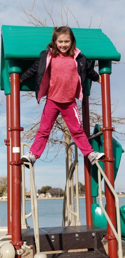 Green Meadow Park: N Lovington Hwy, Hobbs, NM