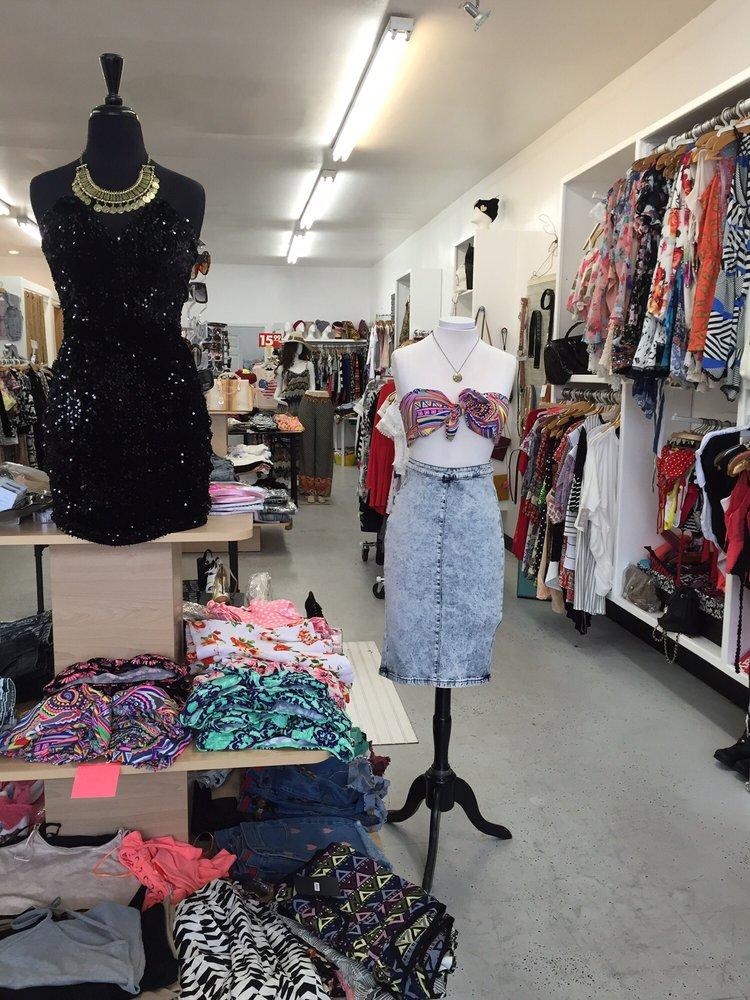 Belle La Vie Boutique: 14431 E Telegraph Rd, Whittier, CA