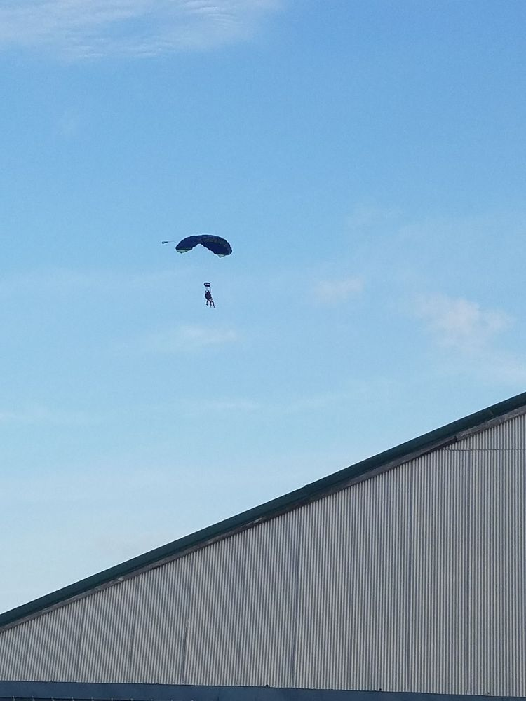 Skydive Iowa: 1922 US Hwy 6, Brooklyn, IA