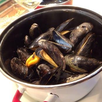 The seafood bar 433 photos 153 reviews seafood van for Seafood bar van baerlestraat