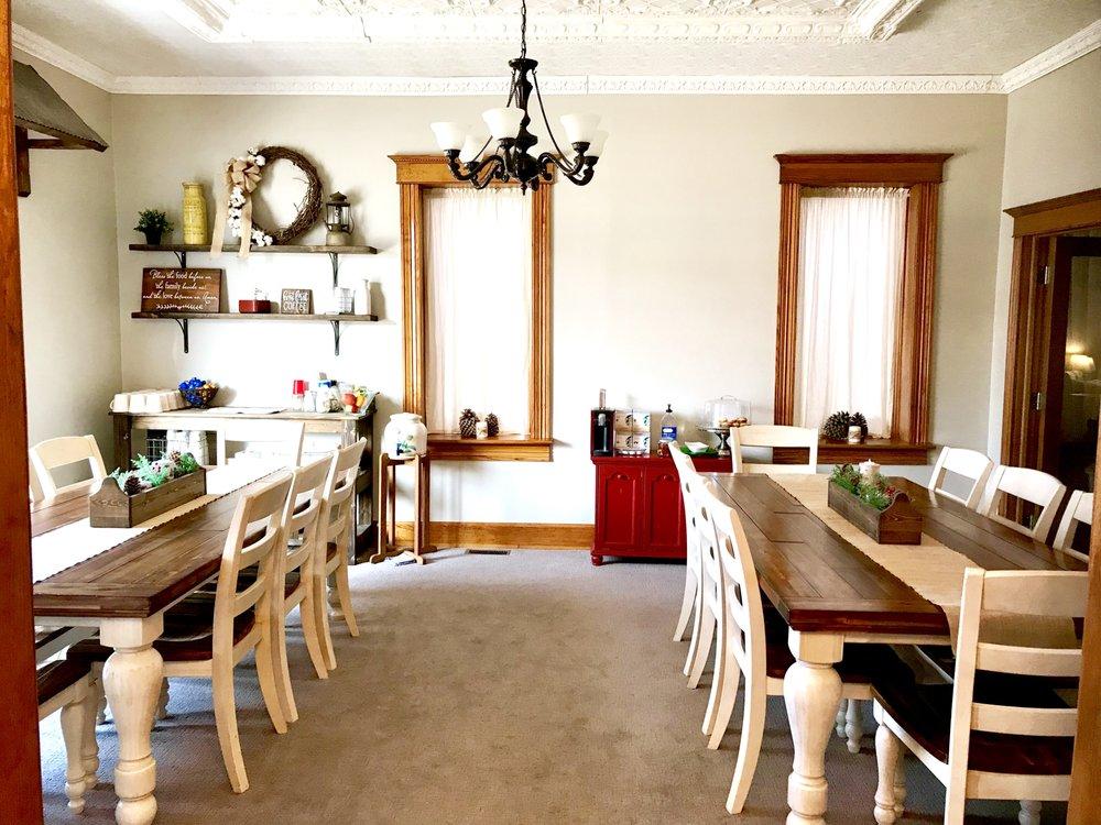 Savannah House Bed & Breakfast: 336 N Main St, Kingman, KS