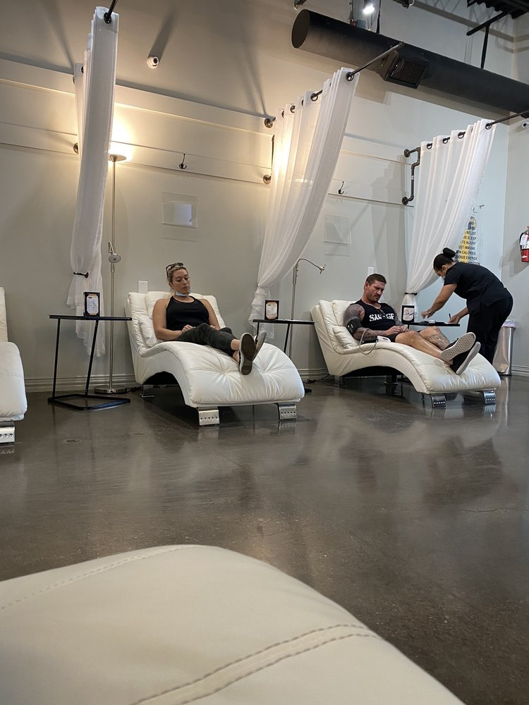 iV Bars & Cryotherapy of Mansfield: 2771 E Broad St, Mansfield, TX