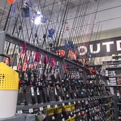 Dick s sporting goods 18 photos 14 reviews sports for Dicks sporting goods fishing