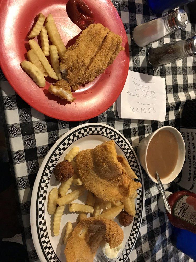 Callies Homestyle Restaurant: 447 Lexington Rd, Versailles, KY