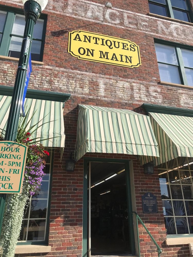 Antiques On Main: 4 W Main St, Christiansburg, VA