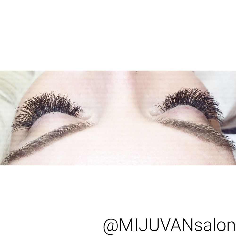 Look At The Volume In These Eyelash Extensions Miju Van Salon Uses