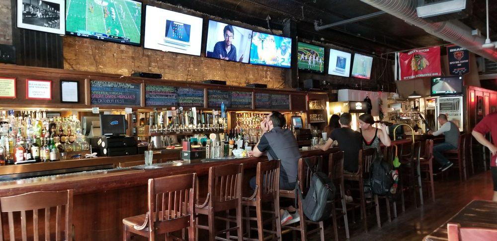 Kasey's Tavern: 701 S Dearborn St, Chicago, IL