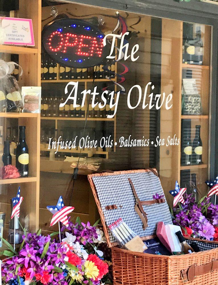 The Artsy Olive- Dillsboro: 128 Front St, Dillsboro, NC