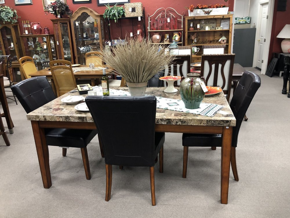 Red Rooster Furniture Consignment & More